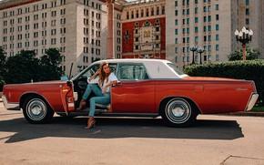 Картинка машина, авто, девушка, поза, ретро, джинсы, Lincoln Continental, Алексей Трифонов, Екатерина Мок