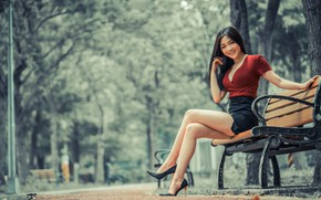 Картинка девушка, улыбка, парк, ножки, азиатка, милашка, скамья, боке