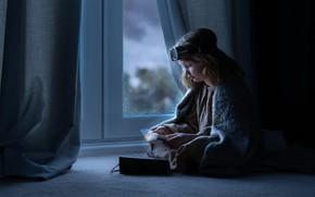 Картинка дом, окно, девочка, дневник