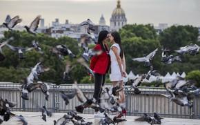 Картинка птицы, город, девушки, свидание