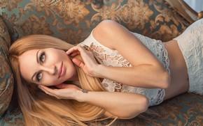 Обои sexy, pretty, blonde, sofa, pose, Георгий Дьяков
