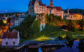 Картинка утёс, Зигмаринген, освещение, дома, Германия, город, замок, вечер, крепость, Дунай, река