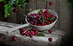 Картинка листья, ягоды, доски, черешня, дуршлаг