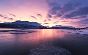 Картинка зима, море, небо, облака, снег, закат, горы, берег, лёд, вечер, Норвегия, залив, Лофотенские острова, Lofoten