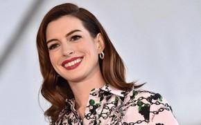 Картинка взгляд, поза, улыбка, макияж, актриса, певица, hair, Anne Hathaway, Энн Хэтэуэй