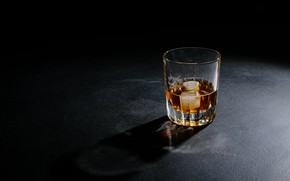 Картинка стакан, лёд, виски