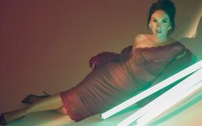 Картинка взгляд, девушка, секси, поза, Megan Fox, платье, актриса, красотка