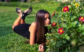 Картинка девушка, цветы, поза, длинные волосы, Marco Squassina, Elisa Moscatelli