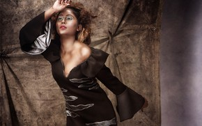 Картинка girl, eyes, smile, beautiful, model, pretty, beauty, lips, face, hair, brunette, pose, cute, indian, makeup