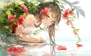 Картинка девочка, цветок в волосах, над водой, красные цветы, гибискус, белый сарафан