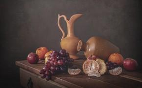 Картинка яблоки, еда, виноград, фрукты, натюрморт, дольки, композиция, мандарины, кувшины, керамика, ретро-стиль