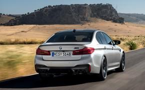 Картинка дорога, скала, серый, BMW, седан, вид сзади, 4x4, 2018, четырёхдверный, M5, V8, F90, M5 Competition