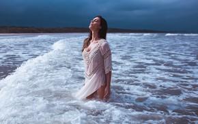 Картинка море, девушка, поза, берег, волна, Henrique Cesar