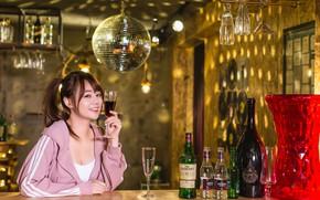 Картинка улыбка, бокал, бутылки, азиатка, милашка, милое личико, алкоголичка