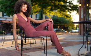 Картинка девушка, стул, Erica