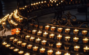 Картинка тьма, свечи, огоньки