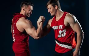 Картинка спорт, команда, друзья, мышцы, рукопожатие, товарищи, спортивные парни