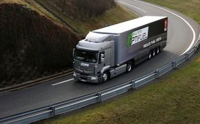 Картинка дорога, трава, серый, ограждение, грузовик, Renault, седельный тягач, 4x2, полуприцеп, Premium Route, Renault Trucks