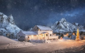 Картинка зима, дорога, машина, белый, небо, снег, горы, ночь, огни, дом, скалы, село, вершины, дома, Рождество, …