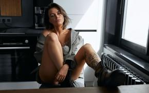 Картинка взгляд, девушка, поза, ботинки, кухня, татуировка, пиджак, русая, Александр Скрипников