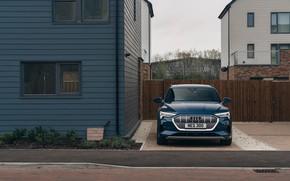 Картинка Audi, E-Tron, угол дома, 2019, UK version