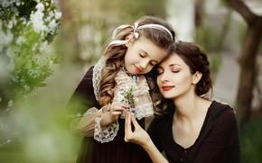 Картинка природа, веточка, женщина, весна, девочка, цветение, мама, ребёнок, мать