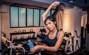 Картинка девушка, лицо, поза, спортзал