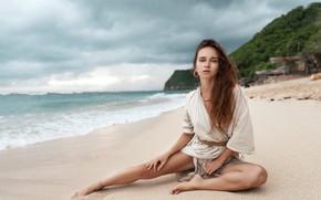 Картинка песок, пляж, взгляд, девушка, поза, океан, ноги, волосы, Евгений Ангелов, ANGELOV