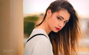 Картинка girl, long hair, brown hair, brown eyes, photo, photographer, model, bokeh, lips, face, brunette, shirt, ...