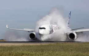 Картинка Самолет, Лайнер, Испытания, Airbus, ВПП, Qatar Airways, Airbus A350-900, Пассажирский самолёт, Airbus A350 XWB, Реверс