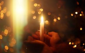 Картинка свет, тепло, праздник, свеча, руки