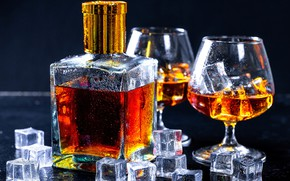 Картинка бокал, бутылка, лёд, кубик, коньяк, бренди