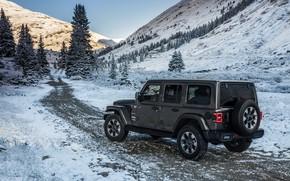 Обои дорога, снег, горы, 2018, Jeep, тёмно-серый, Wrangler Sahara