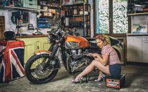 Картинка женщина, гараж, мотоцикл