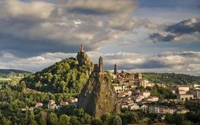 Картинка город, скала, Франция, дома, собор, часовня, France, Chapel of Saint-Michel d'Aiguilhe