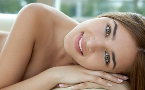 Картинка girl, green eyes, brown hair, photo, model, lips, brunette, smiling, lying down, Adriana F, portrait, …