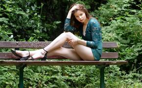 Картинка взгляд, девушка, парк, волосы, ножки, скамья, Erin