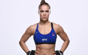 Картинка взгляд, поза, актриса, перчатки, стойка, рестлер, hair, WWE, UFC, пирсинг ., Ronda Rousey, боец ММА, …