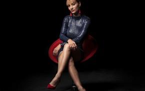 Картинка взгляд, поза, модель, кресло, платье, Tamara, красивые ножки
