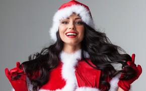 Картинка секси, улыбка, волосы, брюнетка, Рождество, Новый год, перчатки, колпак, шубка, девушка Санты