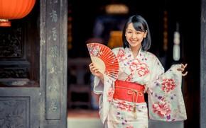 Картинка девушка, улыбка, веер, кимоно, азиатка