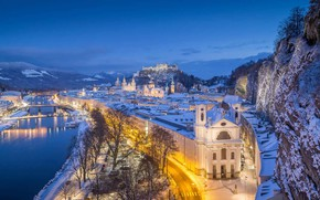 Картинка зима, огни, скала, река, замок, гора, дома, Австрия, панорама, Зальцбург