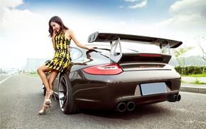 Картинка авто, улыбка, Девушки, Porsche, азиатка, красивая девушка, позирует над машиной