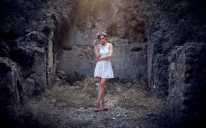 Картинка девушка, модель, платье, венок, Victoria