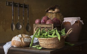 Обои лук, хлеб, картофель, фасоль, половники
