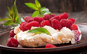 Картинка ягоды, малина, тарелка, крем, десерт, безе, Павлова