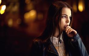 Картинка lights, girl, long hair, brown hair, brown eyes, photo, photographer, model, bokeh, lips, face, brunette, …