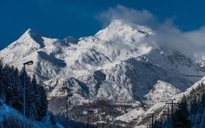 Картинка снег, горы, столбы, провода, фонари