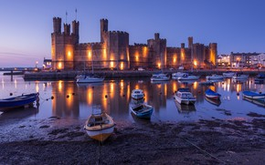 Картинка песок, небо, свет, огни, отражение, замок, берег, Англия, дома, лодки, вечер, порт, башни, архитектура, сумерки, …