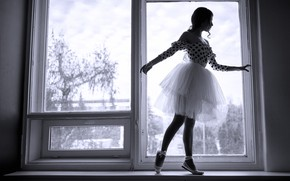 Картинка поза, черно-белое, окно, балерина, девушка, Юрьев Алексей